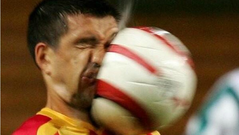 soccer-player-hit-in-face